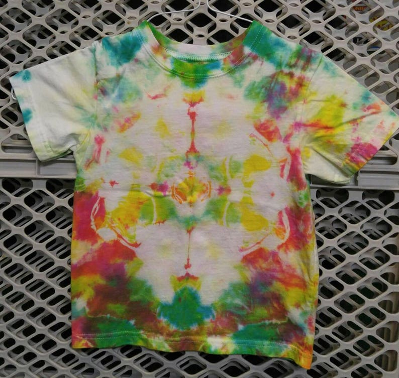 19ddc5ddc4a2c 4T tie dye t-shirt. Kid's tie dye play clothes, casual tee shirt. Toddler  tie dye clothes. hippie kid short sleeve. Gift for child