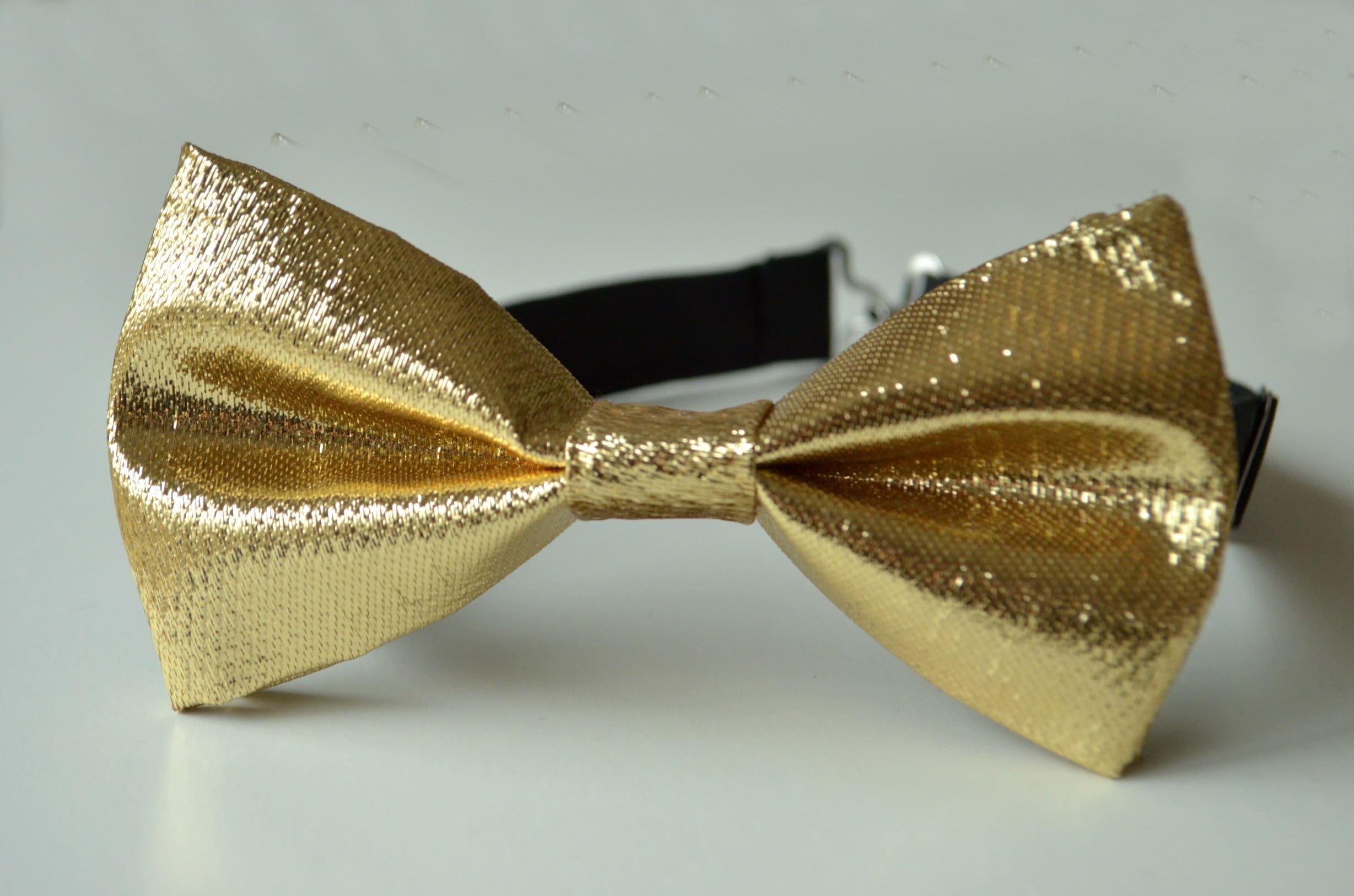 Gold Sequin Pre-Tied Adjustable Bow TieMen/'s or Boys Bow Tie