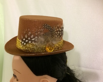 2d50dc871b6 Brown felt top hat with feathers-fhb