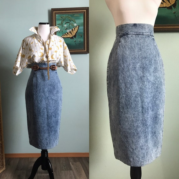 Vintage 1990's acid wash denim midi skirt by MariP