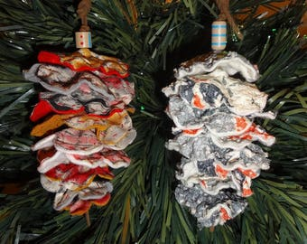 "Set of 2 Christmas Decorations: ""Pinecone"" kimono silk No.2"
