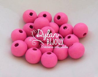 20 pink 10 mm wood beads