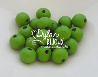 20 clear 10 mm Green wooden beads