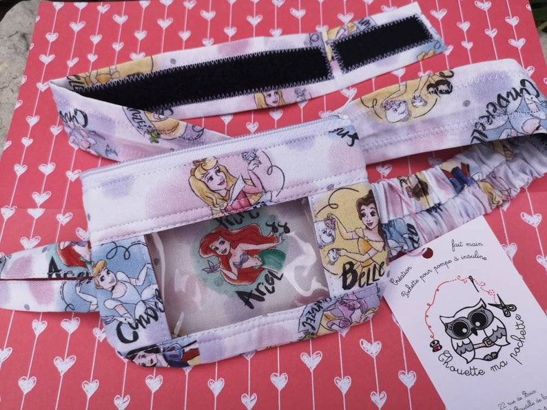 Adjustable pouch belt for insulin pump