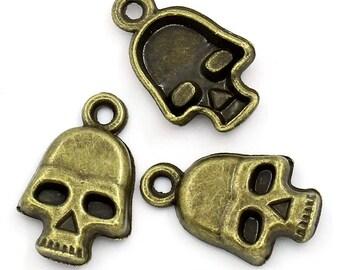 (X 5) bronze colored metal skull charm