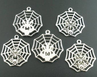 Spider Web and pendant (X 1) silver metal skull
