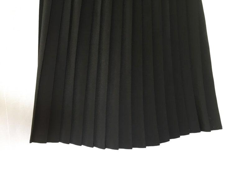 Classic 80s /& 90s Black Pleated Midi Knee Length Skirt Pleated Skirt Indie Streetwear Street Style Grunge Goth Avant Garde