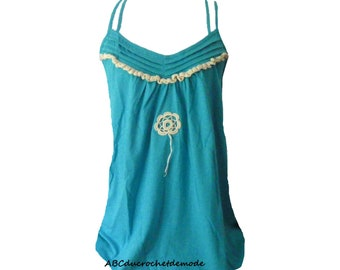 Top/strapless blue turquoise decorated with Irish crochet.