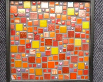 Mosaic Shell Black, red, square