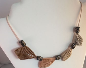 Macrame necklace leaves and pearls, cameo