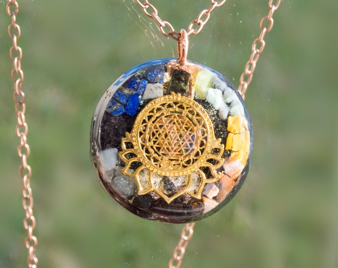 Large Orgonite® Sri Yantra Chakra Wheel Medallion with Moldavite and Emerald - Orgone Pendant Necklace - Solfeggio / 528hz