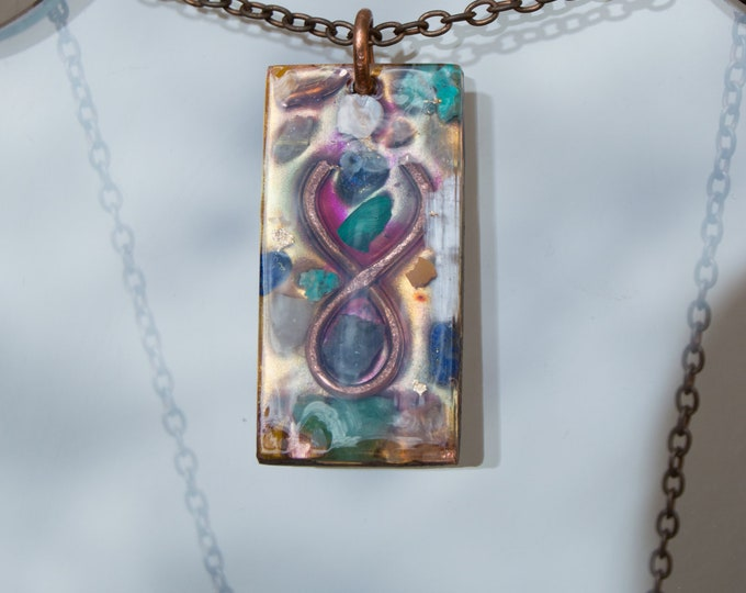 Zodiac Orgonite® Taurus crystals Pendant - Astrology Sign Orgone Necklace - April May Birthday - 528hz /  EMF Protection