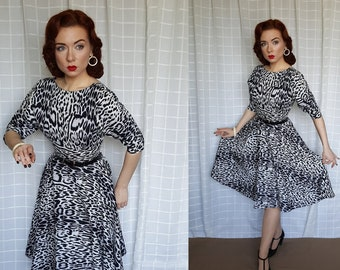 e18fe5e9be38 Vintage 1950s 1960s style leopard print circle skirt grey dress - vintage  80s does 50s animal print pin -up dress - circle skirt - UK 6 - 8