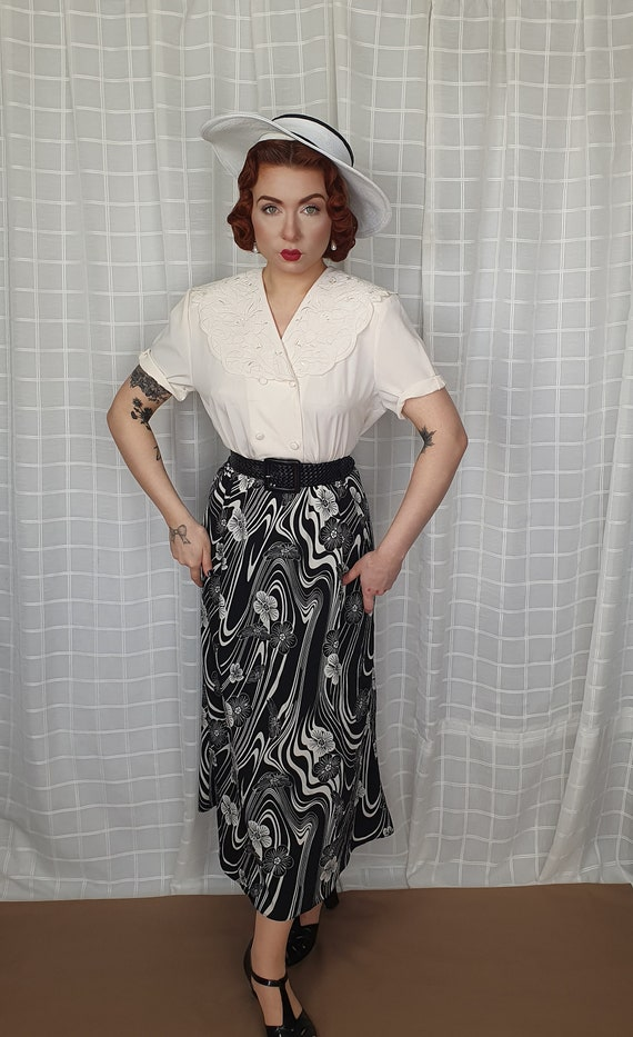 Vintage 1940s 1950s style large floral embroidery