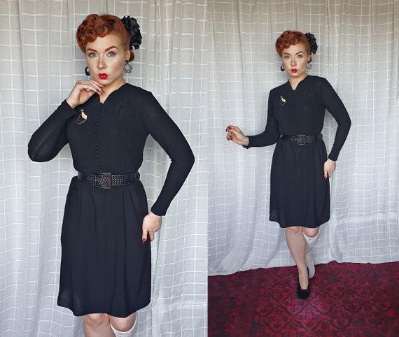 Vintage genuine 1940s black wool crepe longsleeve