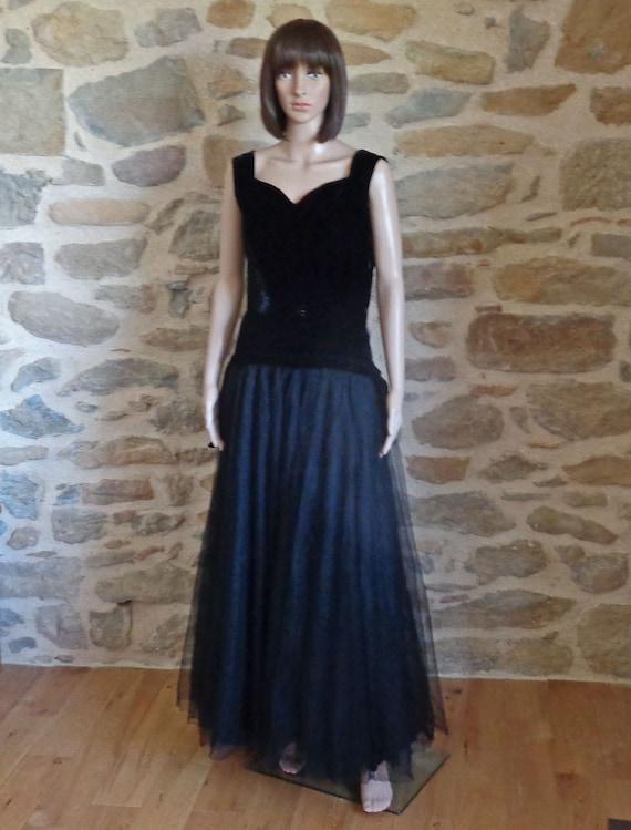 amazing 1980s does 1950s black velvet circle skirt with pockets,80er Jahre Tellerrock aus schwarzem Samt gonna a ruota anni 80,velluto nero