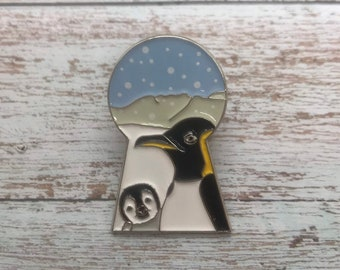 Penguins Looking Through Keyhole Enamel Pin | Baby Penguin | Stocking Filler Gift | Lapel Pin, Badge |