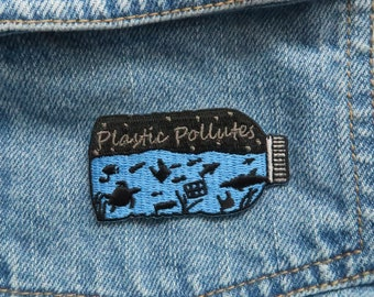 Charity Patch | Plastic Pollutes Sew on/Iron On Patch | Environment Marine, Sea Life