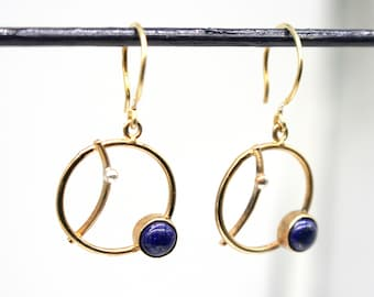 Orbits (version1 mini in bronze) - Hoop earrings with planets - asteroids - lapis lazuli art.308