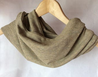 Snood mottled beige mesh scarf