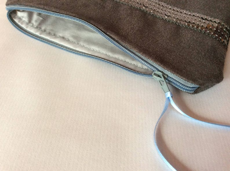 Pouch  bluish grey suede makeup