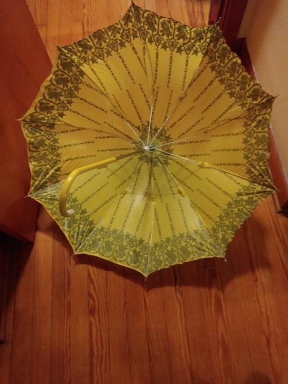 Vintage Victoria Appeal Umbrella 1970s - image 4