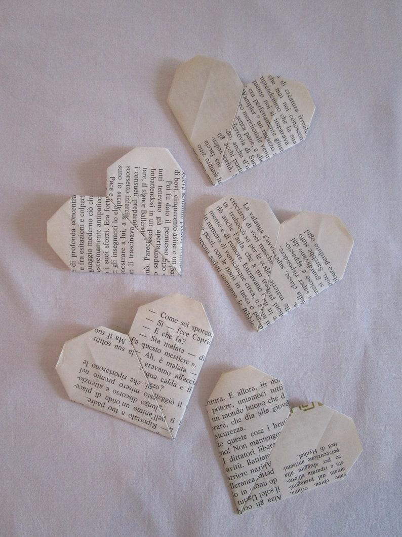 How To Make An Origami Heart Corner Bookmark - Folding ... | 1059x794
