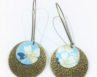 Earrings in bronze and sequin flowers