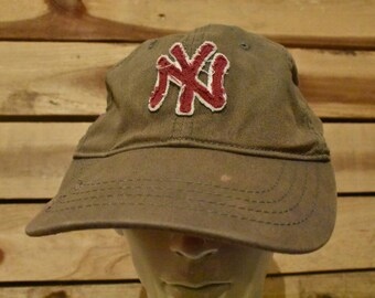 721f34a8c68 Vintage New York Yankees Brown and Red Hat