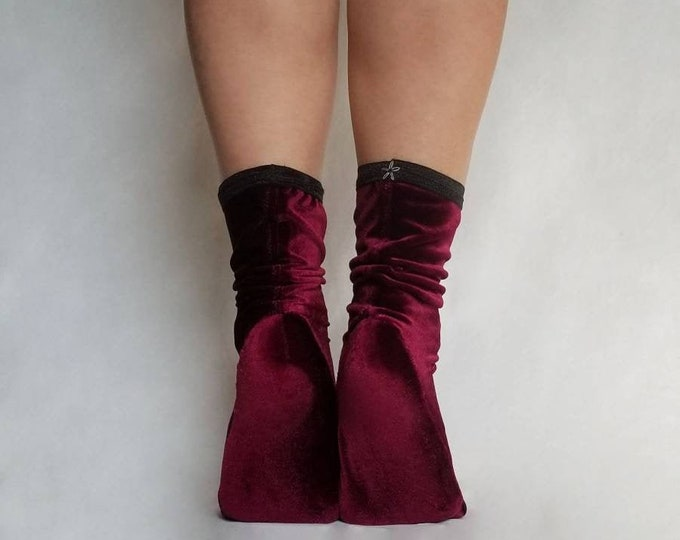Forget-Me-Not Ankle Stockings
