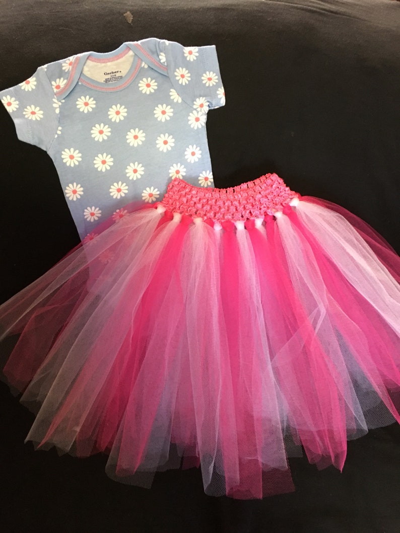 Infant Girl OneZ and Tutu Skirt Set in Size 0-3 Month