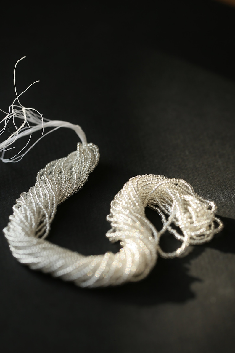 wick of silver #12 threaded on round thread silver hole luneville embroidery high-fashion beads drum beads strung beads