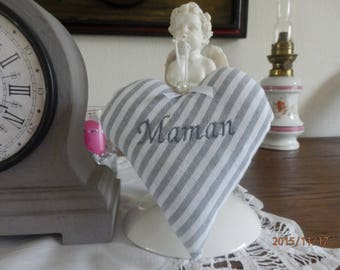 "heart ""MOM"" in gray and white striped cotton"