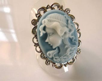 Adjustable cameo ring blue oval mounted on support silver metal filigree cabochon