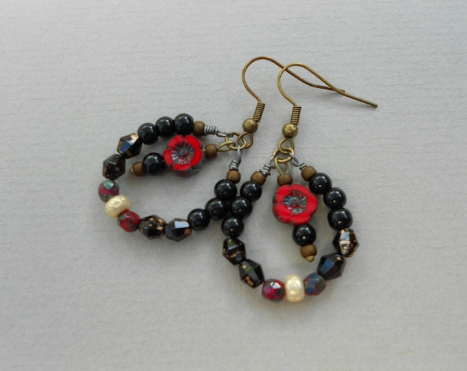 Black  earrings,Flower earrings,Dangle earrings, Floral earrings,Boho earrings,Hoop earrings,Summer earrings,Glass earrings