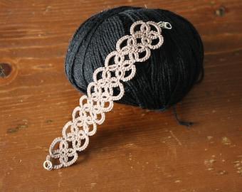 Bracelet crochet tatting taupe