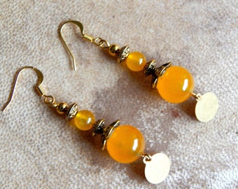 Earrings ethnic jade with flower bead caps gold