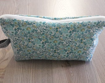 Kit has pouch make up, liberty fabric, mint Green