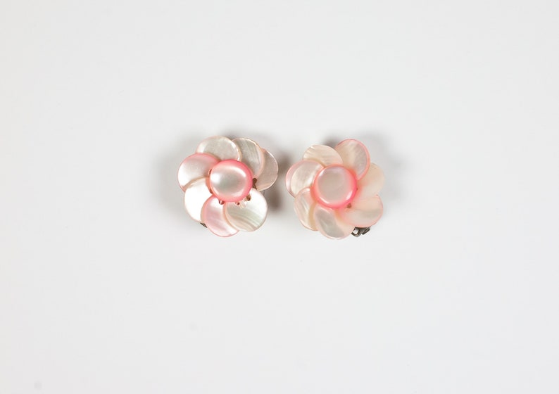 Vintage Pink Flower Clip on Earrings  Floral Clip Ons  80s Fashion  Hawaiian Polynesian Tiki Style  Pastel Pink Mother of Pearl Shell