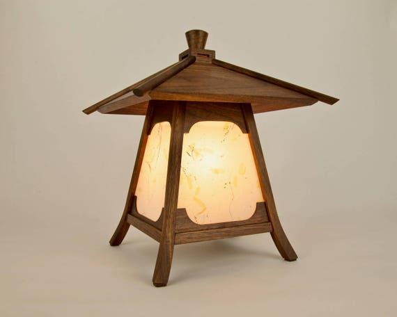Lampe Japonaise Lanterne En Bois De Noyer Noirkodama Etsy