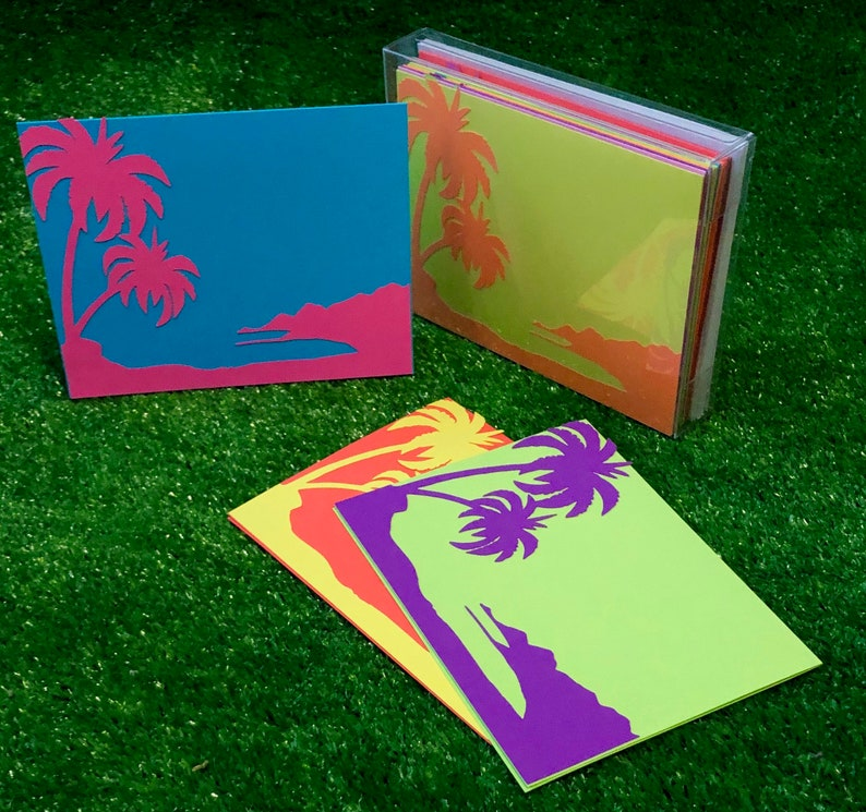 Vivid Tropical Palm Tree Stationary image 0
