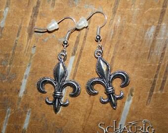 Fleur de lis earrings, antique silver