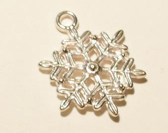 10 snowflakes silver 19mm MB307
