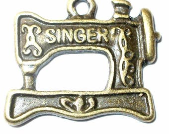 Charm 1 Singer sewing machine 2.1x1.8cm MB244 bronze