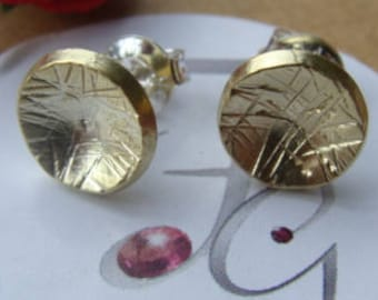 Pair of chiseled round earrings, brass, silver, gilding 18 carat