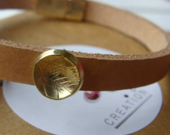 Genuine leather bracelet, engraved brass pattern