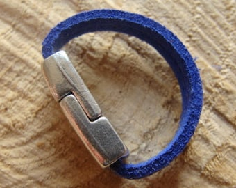 Blue leather ring, soft, silver metal clasp