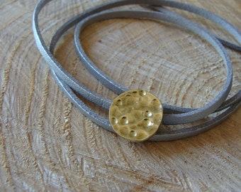 Silver leatherette bracelet, hammered brass circle motif. 100% HANDMADE