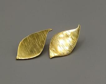 Brass foliage earrings