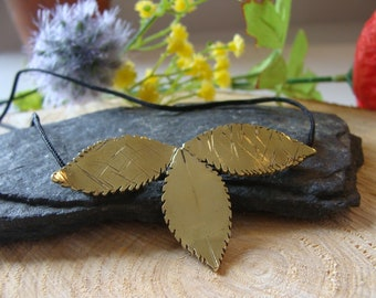 Foliage pendant, foliage necklace, finely chiseled, brass. 100% HANDMADE
